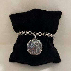 Bracciale a catena con medaglia Moneta di Aretusa in argento 925. Realiazzati artigianalmente.