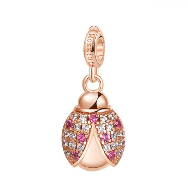 COCCINELLA 7 pois di fortuna e felicità Charm in argento 925‰, galvanica oro rosa, 20 zirconi bianchi, 7 zirconi rossi Significato: Felicità