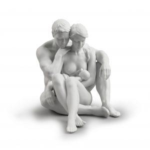 L'essenza della vitaè una figura in porcellana opaca dipinta a mano dall'artista Ernest Massuet. L'articolo fa parte della collezioneFamigliadiLladrò.